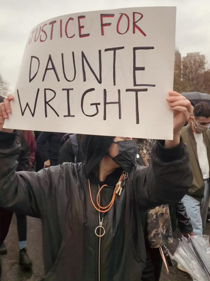 A+photo+from+a+protest+for+Daunte+Wright.++The+sign+reads+%22Justice+for+Daunte+Wright%22.